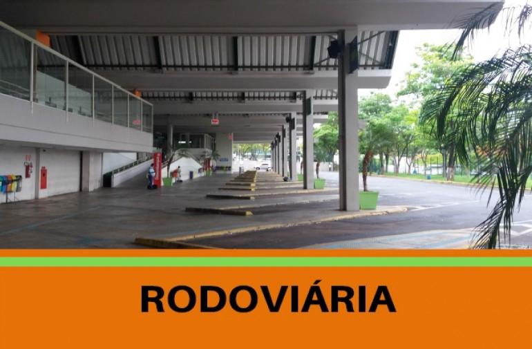 Foto dos terminais de embarque da rodoviária de Franca. Link para acessar a página com informações sobre o trabalho de gerenciamento da rodoviária que a EMDEF realiza.