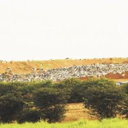 Na foto, imagem panorâmica do aterro sanitário gerenciado pela EMDEF