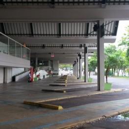 Na foto, destaque para a quantidade de baías destinadas aos ônibus.